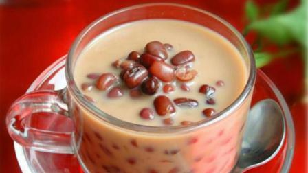 红豆奶茶在家就能做, 一看就会, 比店里买的还好喝