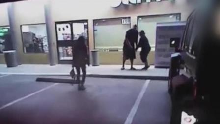 男子持枪威胁妻子 警察连开4枪击毙