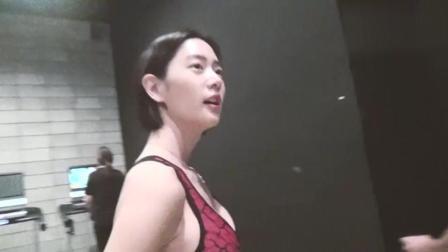 亚洲第一美克拉拉健身视频火了, 这么漂亮还这么努力!