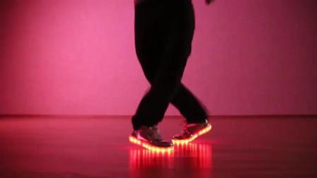 闪光鞋教学: 20个著名的舞蹈动作