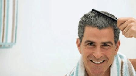 用这个方法洗头发 老奶奶六十岁还是一头柔顺靓丽的黑发!