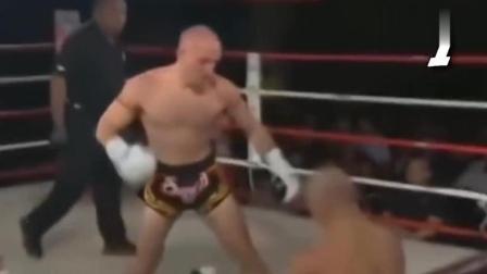 武僧一龙金钟罩已破,被对手连续五次重摆拳KO
