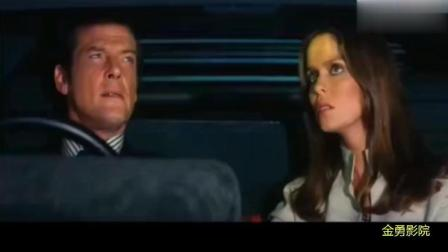 007系列老电影, 这部水路两用车好厉害啊