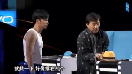 成龙60多岁现场表演绝活, 没想到会失手, 冯小刚张国立看呆了!