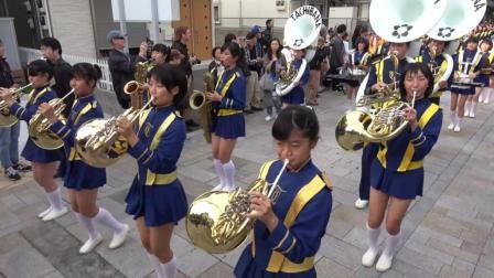 京都橘高校吹奏乐队节日游行表演