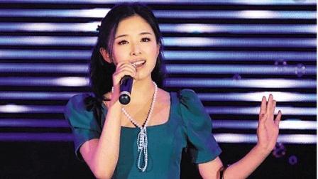 十多年后, 张含韵再一次唱起《酸酸甜甜就是我》, 甜美歌声依然如初!