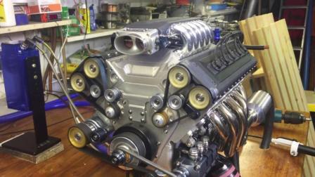 外国牛人自制全手工V10发动机, 光听声音就知道这手艺值钱!