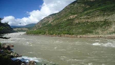 为什么中国不利用西藏的水资源, 而要流入印度? 答案你万万想不到