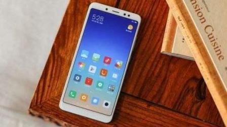 【手机评测】红米Note5对比魅蓝E3 上手体验评测千元机对决