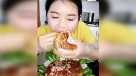 姐姐加速秒吃3斤大肥肉, 秃噜秃噜的真快, 真香, 解馋大肥肉啊!