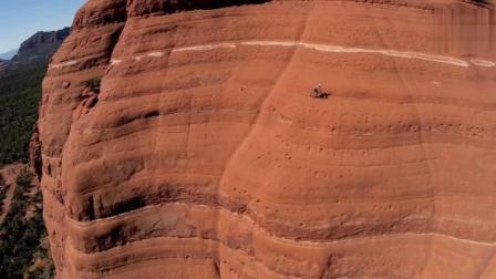 太可怕了! 一极限运动狂人竟然挑战悬崖绝壁无保护踩单车, 第5个镜头太惊险了!
