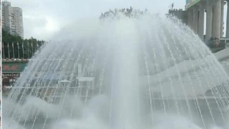 """深圳""""世界之窗""""广场上的喷泉, 带给人不一样的美丽!"""