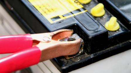 用220V电压直接给电池充电会怎样? 电线都红了