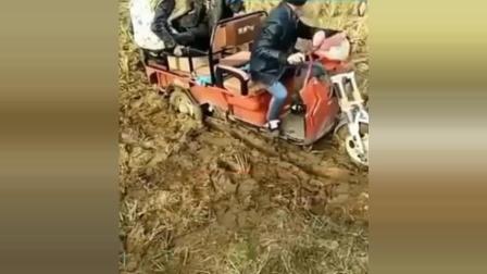 搞笑视频: 原来农村人也会搞笑, 笑惨了!