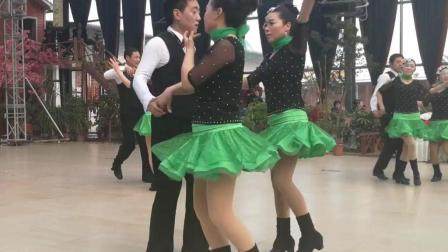 交谊舞 三步踩《桃花姑娘》一拖二 2018年会清舞樱花表演