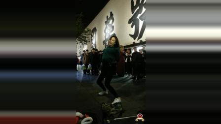 滢滢杭州性感热舞《DADDY》