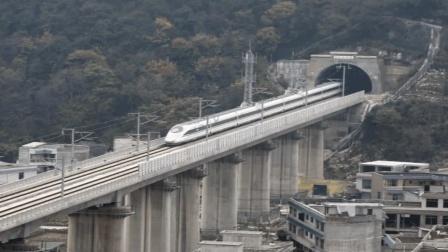我国这一条铁路, 一公里需花费6千万, 花了7年才修成