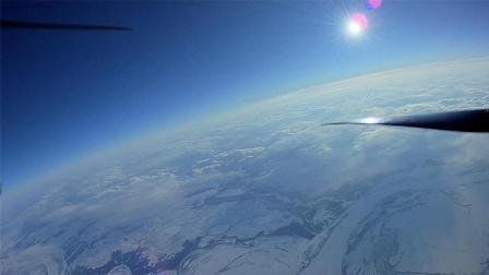 俄罗斯男子DIY无人机, 仅重1公斤, 26分钟飞至万米高空