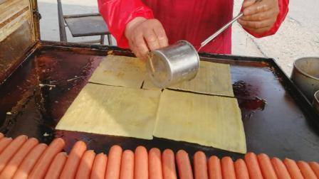吃过这么多烤冷面, 第一次见倒这种做法, 味道确实不一样