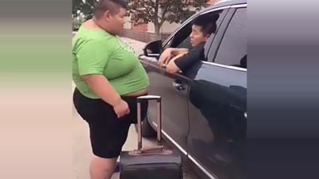 大胖子滴滴打车到地方后, 车主要哭了