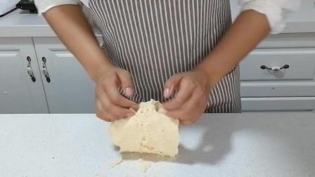 糖霜饼干制作(十二): 开始揉面团, 使其成团状