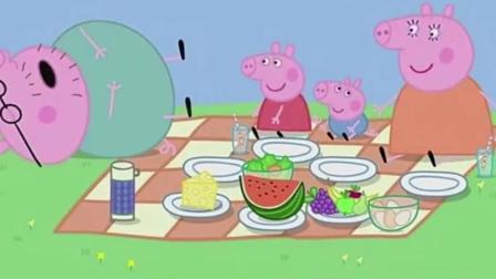 小猪佩奇: 一家人出去野餐, 猪爸爸吃饱倒头就安逸的睡着了