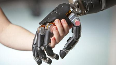 第一个半人半机械人诞生, 能有意念控制机械手臂, 十分炫酷