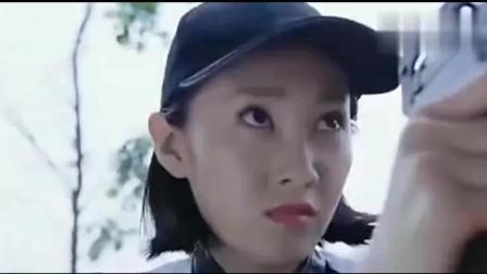 中国女孩被派到美国办案, 美国人瞧不起她, 最后都服了她!