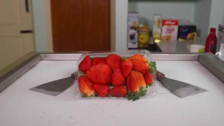 炒冰激凌, 这碗的草莓真是绝了, 肯定好吃