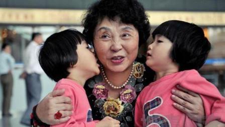 60岁女人生双胞胎, 手术医生看到孩子父亲后却气到手抖! !