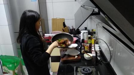 家常火腿肠炒辣椒的做法0327舌尖上的美食视频