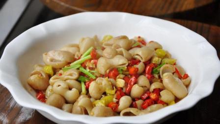 怎么把肥肠炒脆? 看大厨的生爆肥肠, 正宗江湖菜做法, 揭开肥肠鲜香脆爽的秘密