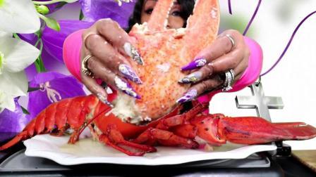 看看人家吃的龙虾有多大, 这么大的龙虾太少见了, 馋的口水直流