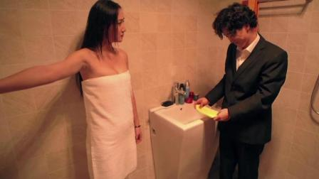 许之一和兰菲被困浴室, 这下王宁高兴坏了