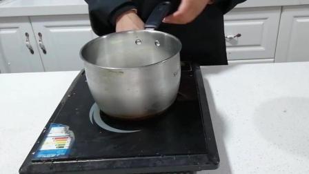 草莓冰淇淋制作(三): 小火对牛奶进行加热