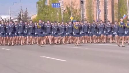 十一国女兵阅兵对比, 中国女兵出场时你就知道什么才叫惊艳!