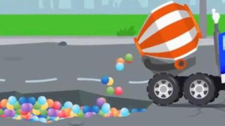 儿童玩具车动漫卡通: 推土机在半空中掉进泥坑里, 水泥搅拌车倒很多彩色小球到坑里
