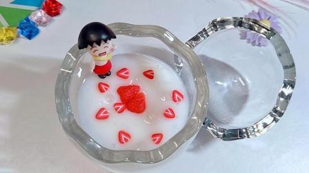 无硼砂自制草莓牛奶史莱姆, 手感光滑Q弹, 闻起来还有牛奶的香味