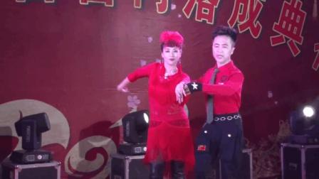 天水甘谷县西关的这场歌舞, 看点真多 真美