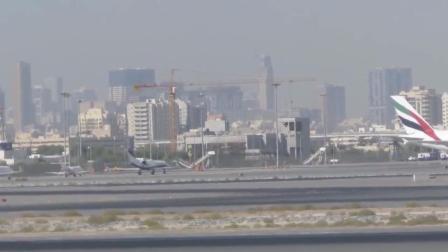国外城市机场上空出现ufo  会是真的吗?