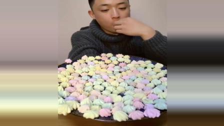 美食小伙买辣条花束, 好看又能吃