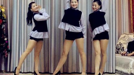 青青世界广场舞《你到底有没有爱过我》室内