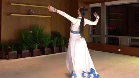 妹子舞蹈版《鸿雁》10人看, 9人醉!