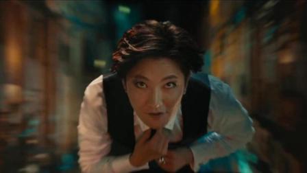 二代妖精: 郭京飞的出场方式太惊艳了, 画眼线的郭京飞我喜欢!