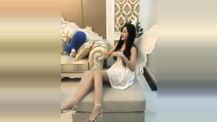 天使姐姐的温柔诱惑, 肉丝美腿, 白裙高跟, 跟刘亦菲谁美?