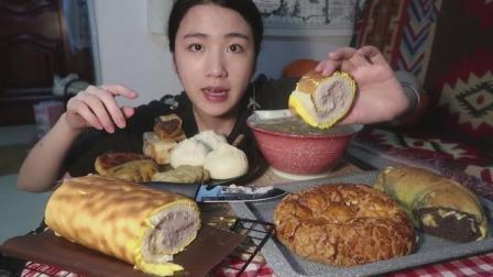 中国吃播, 美女自制自吃虎皮蛋糕和其他, 吃的津津有味