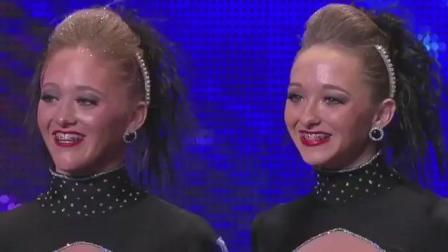 《美国达人秀》双胞胎舞蹈引评委惊叹: 身体竟可以这样弯曲!