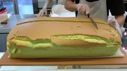 看看人家怎么切蛋糕, 绝对是技术活, 而且蛋糕看上去太好吃了