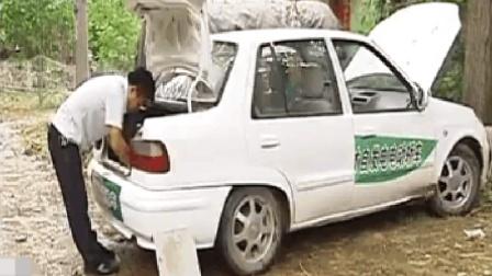 54岁大叔发明汽车, 不用油不充电能一直跑, 网友: 专家看了都羞愧