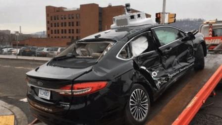 2018年无人车首撞, 两人受伤住院, 网友: 中国路况不适合无人车!